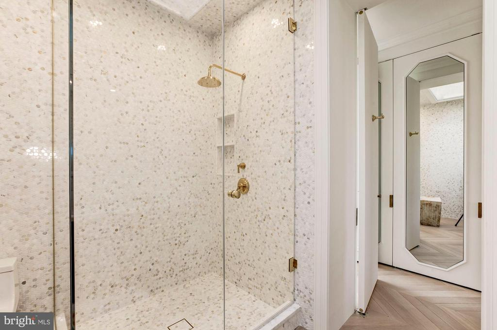Master bath shower - 2318 20TH ST NW, WASHINGTON