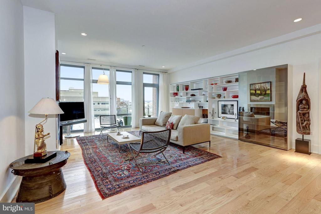 Living Room with River Views - 601 N FAIRFAX ST #605, ALEXANDRIA