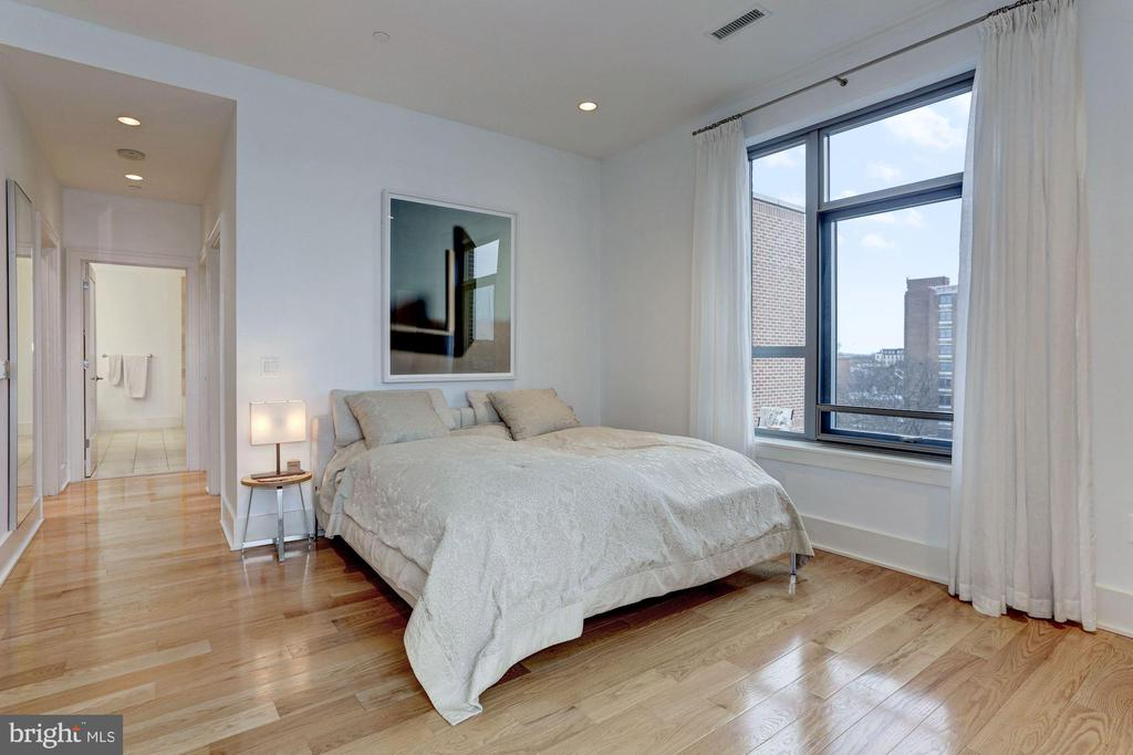 Master Suite with River Views - 601 N FAIRFAX ST #605, ALEXANDRIA
