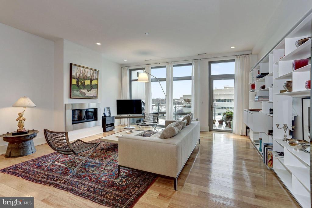 Penthouse 605 at The Oronoco Condominium - 601 N FAIRFAX ST #605, ALEXANDRIA