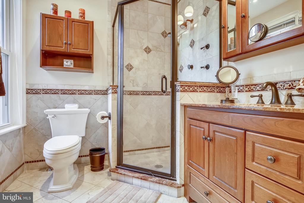 Bathroom - 318 CONSTITUTION AVE NE, WASHINGTON