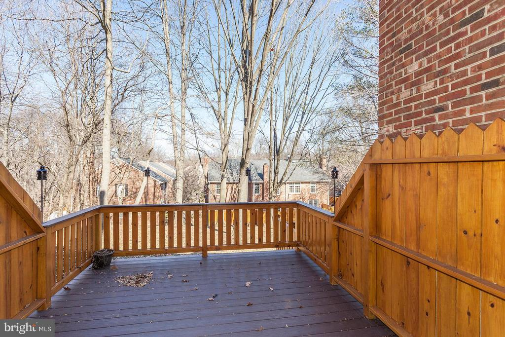 Private deck - 2522 S WALTER REED DR #4, ARLINGTON