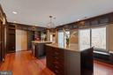 Master Bedroom Custom Closet - 8033 WOODLAND HILLS LN, FAIRFAX STATION