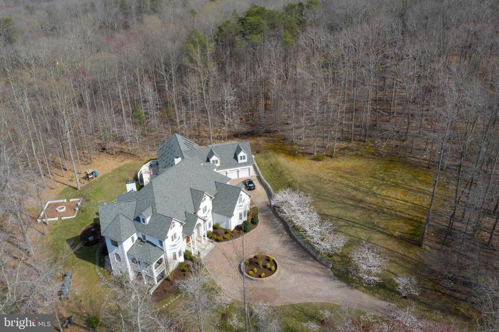 Estate Home with Indoor Pool & Sauna - 8033 WOODLAND HILLS LN, FAIRFAX STATION
