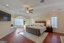 Upper Master Bedroom Suite with Sitting Area - 8033 WOODLAND HILLS LN, FAIRFAX STATION