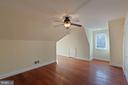 Bedroom  6 - Upper Level 2 has Walk-in Closet - 8033 WOODLAND HILLS LN, FAIRFAX STATION