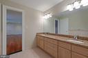 Private Full Bath - BR7 Suite - 8033 WOODLAND HILLS LN, FAIRFAX STATION