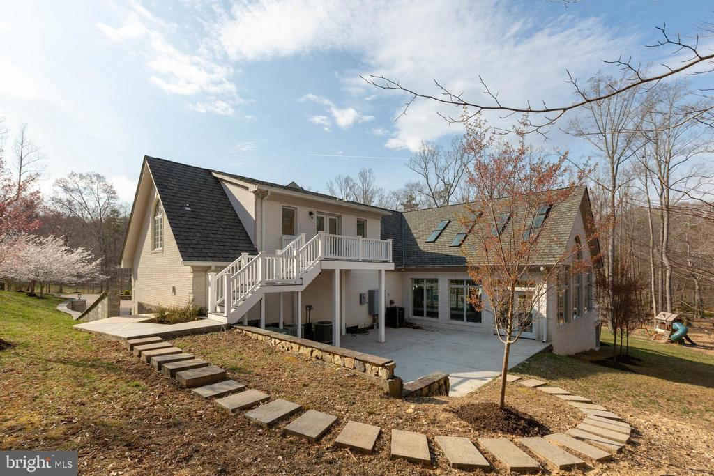 Second Patio off Garage #2 with Pool Access - 8033 WOODLAND HILLS LN, FAIRFAX STATION
