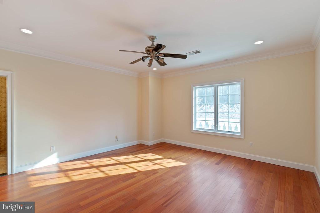 Bedroom 3 Upper Level 1 - 8033 WOODLAND HILLS LN, FAIRFAX STATION