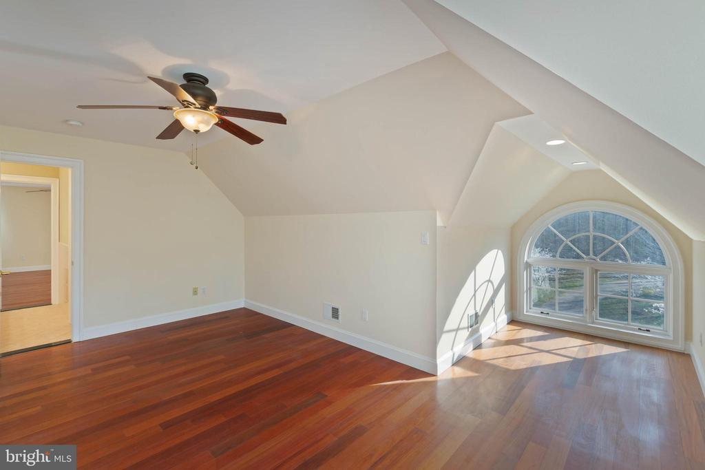 Bedroom 6 - Upper Level 2 - 8033 WOODLAND HILLS LN, FAIRFAX STATION