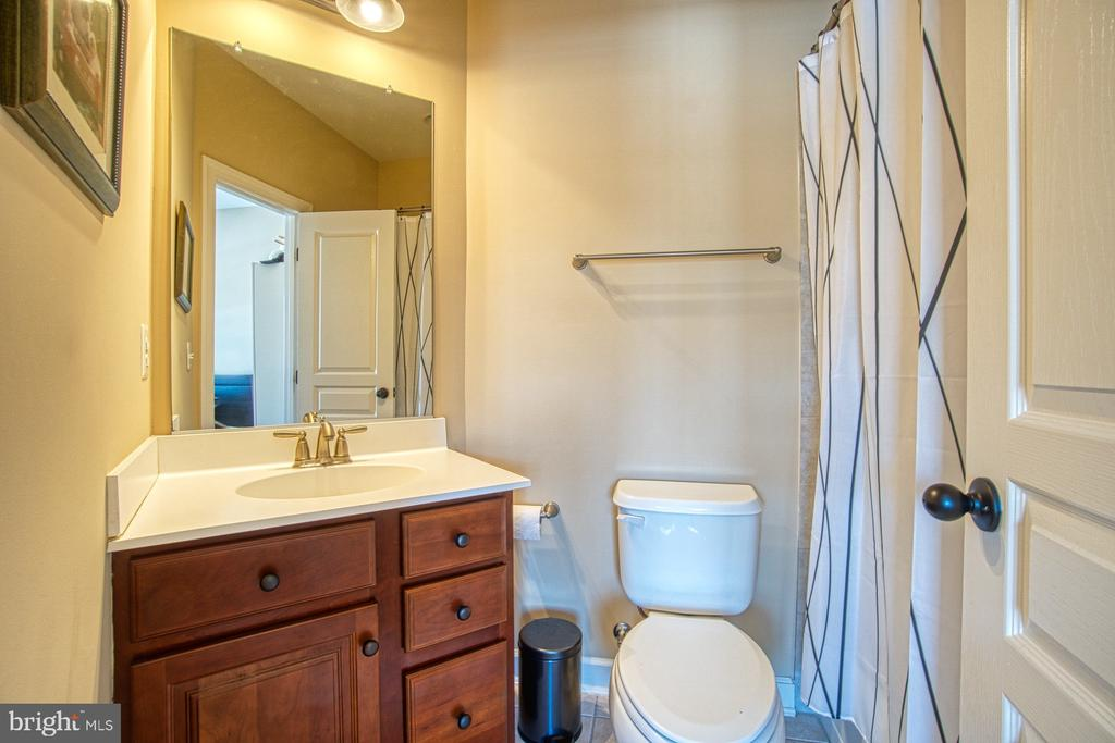 Ensuite Full Bathroom - 8251 ARROWLEAF TURN, GAINESVILLE