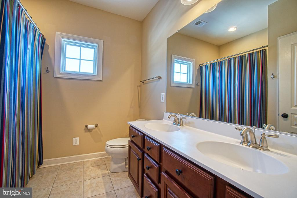 3rd Full Bathroom with Double Sinks - 8251 ARROWLEAF TURN, GAINESVILLE