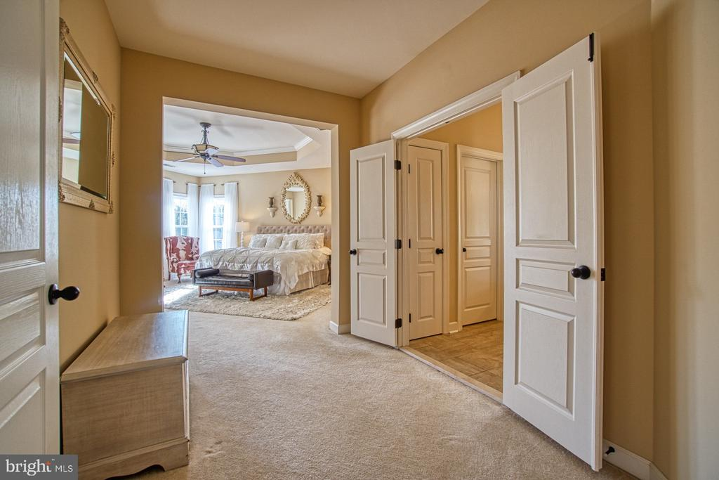 Luxurious Master Suite - 8251 ARROWLEAF TURN, GAINESVILLE