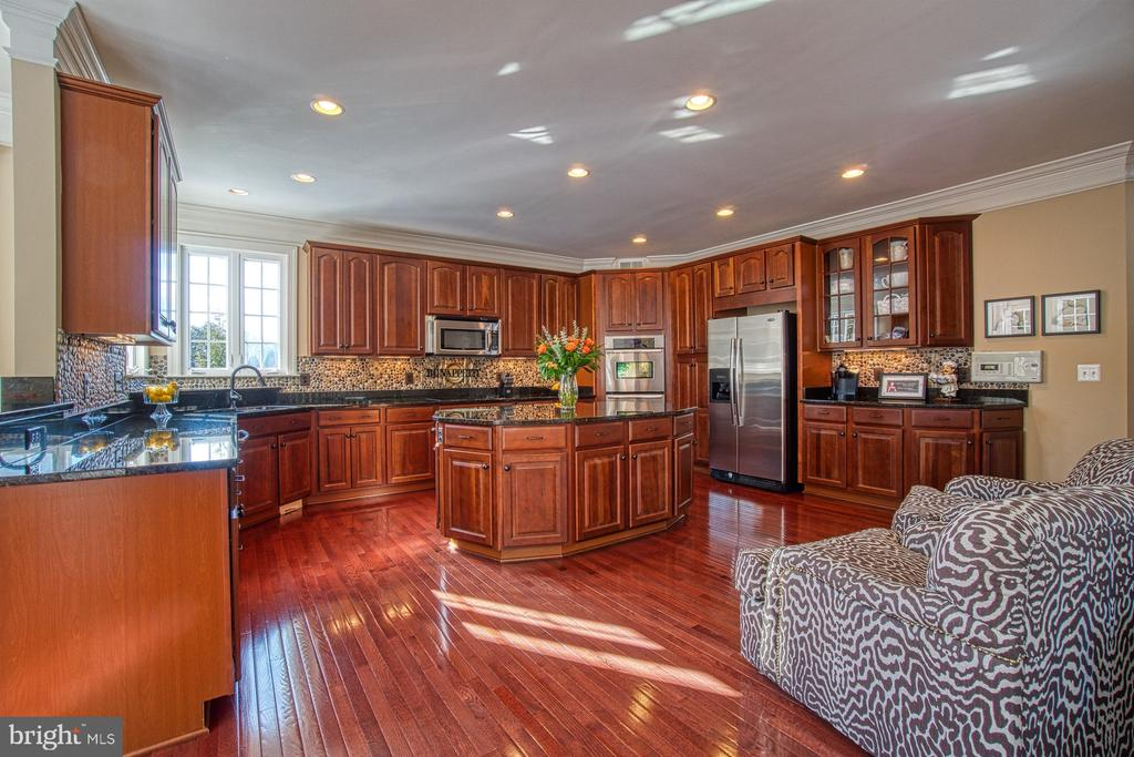 Huge Kitchen Island - Perfect for Entertaining - 8251 ARROWLEAF TURN, GAINESVILLE