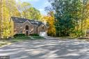 A Stunning & Secluded Non-Subdivision Estate - 1515 JUDD CT, HERNDON