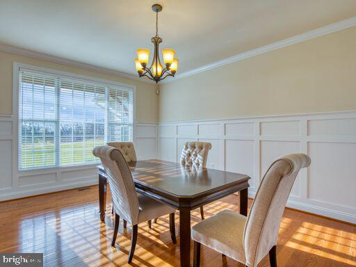 Mesmerizing, natural light throughout!! - 220 LACOSTA CT, WINCHESTER