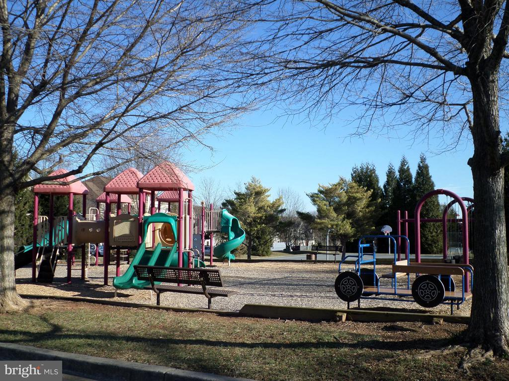 Neighboring Park - 13409 RISING SUN LN, GERMANTOWN