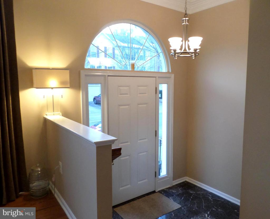 Elegant Foyer - 13409 RISING SUN LN, GERMANTOWN