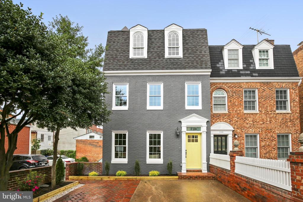 Welcome home to 108. N. Payne St in Old Town - 108 N PAYNE ST, ALEXANDRIA
