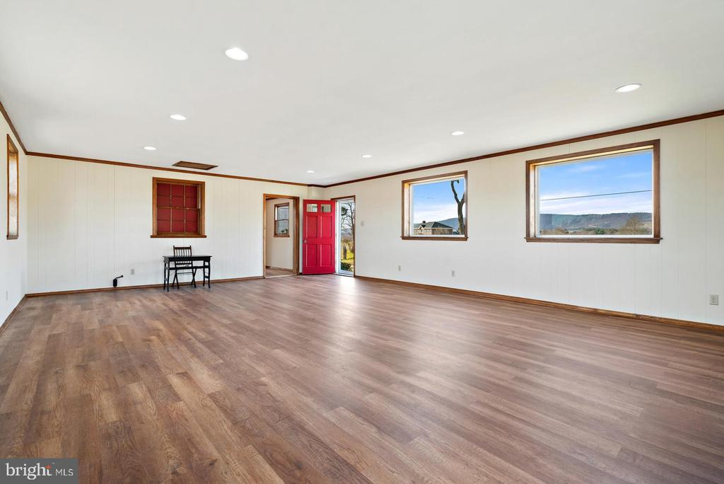 you won't believe the beautiful views - 19100 AIRMONT RD., PURCELLVILLE