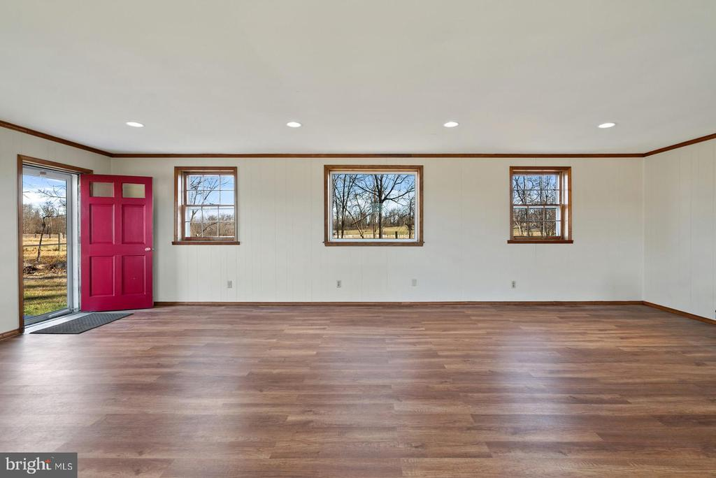 beautiful views back and front - 19100 AIRMONT RD., PURCELLVILLE