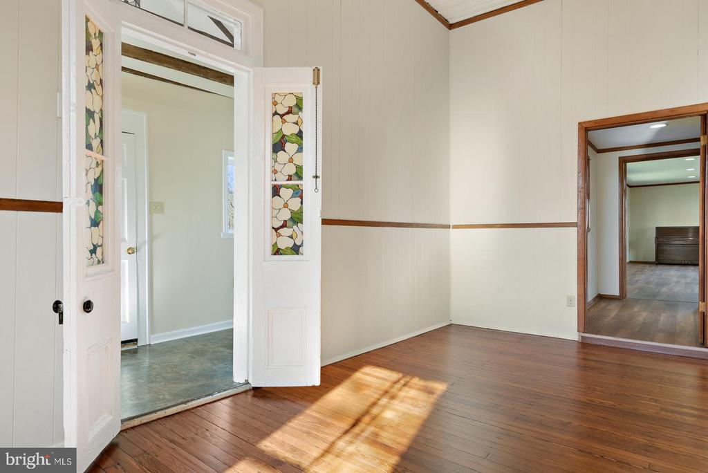 french doors from the foyer - 19100 AIRMONT RD., PURCELLVILLE