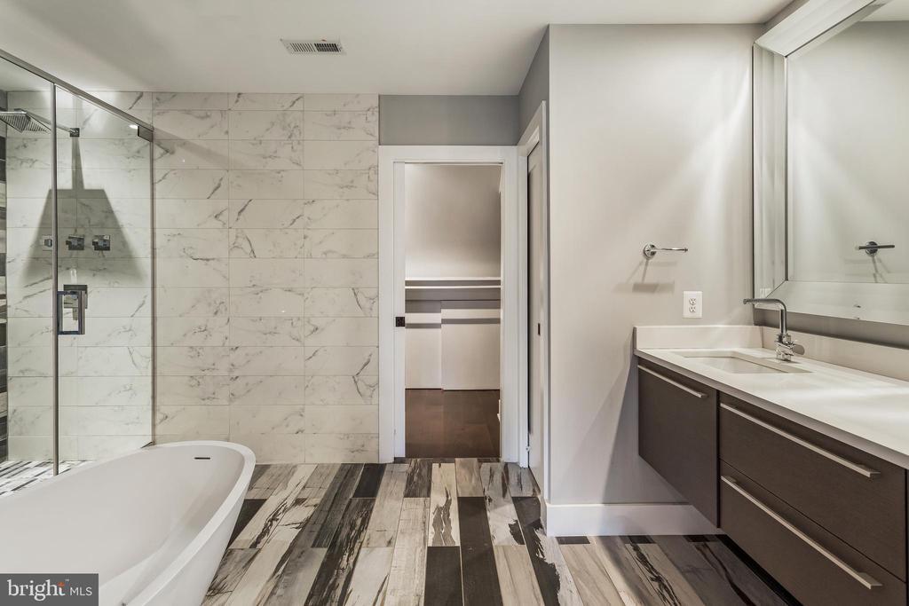 Master Bath - 3053 Q ST NW, WASHINGTON