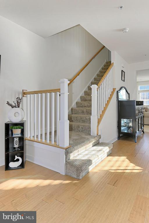 Staircase - 2451 CONQUEROR CT, DUMFRIES