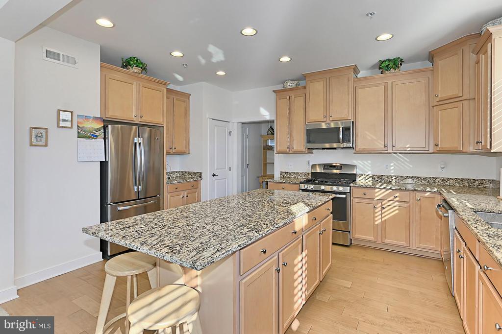 Kitchen - 2451 CONQUEROR CT, DUMFRIES