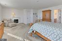 Master Bedroom/Sitting Room - 2451 CONQUEROR CT, DUMFRIES