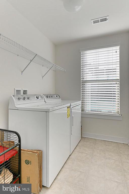 Bedroom Level Laundry Room - 2451 CONQUEROR CT, DUMFRIES