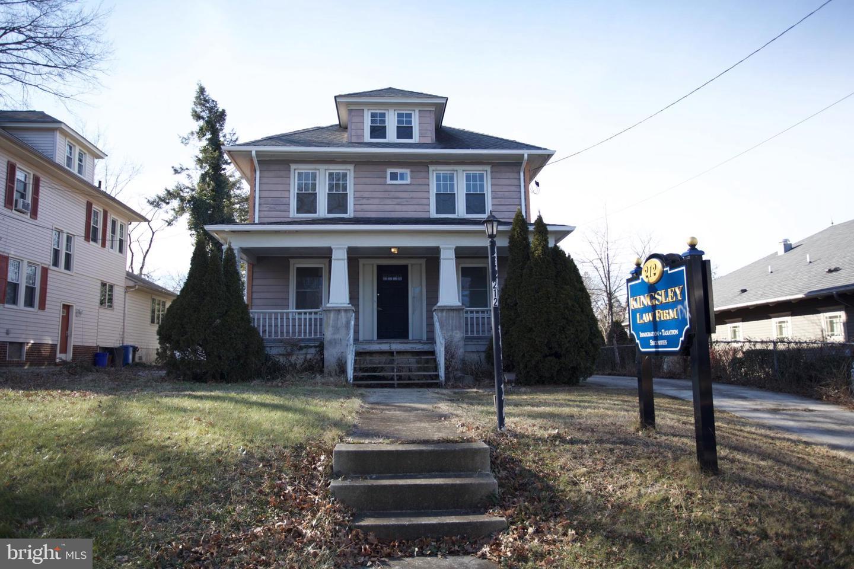 Single Family Homes для того Продажа на West Collingswood, Нью-Джерси 08107 Соединенные Штаты