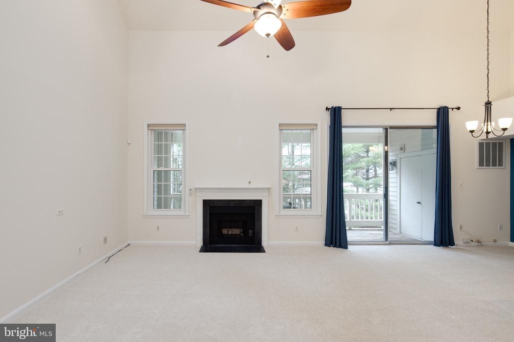 Skylight and access to the patio - 6814 BRINDLE HEATH WAY #257, ALEXANDRIA