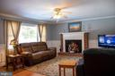 Spacious Bright Living Room - 34797 HARRY BYRD HWY, ROUND HILL