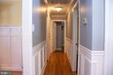 Beautiful crown moulding and wainscoting - 34797 HARRY BYRD HWY, ROUND HILL