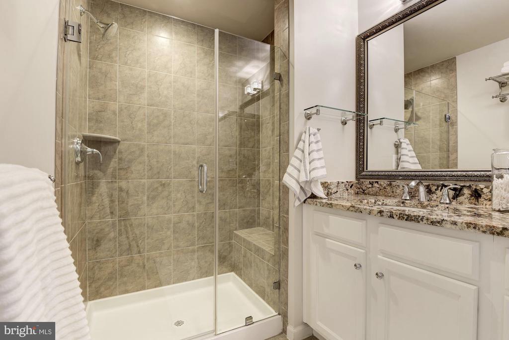 Modernized Owner's bathroom - 2541 S KENMORE CT, ARLINGTON