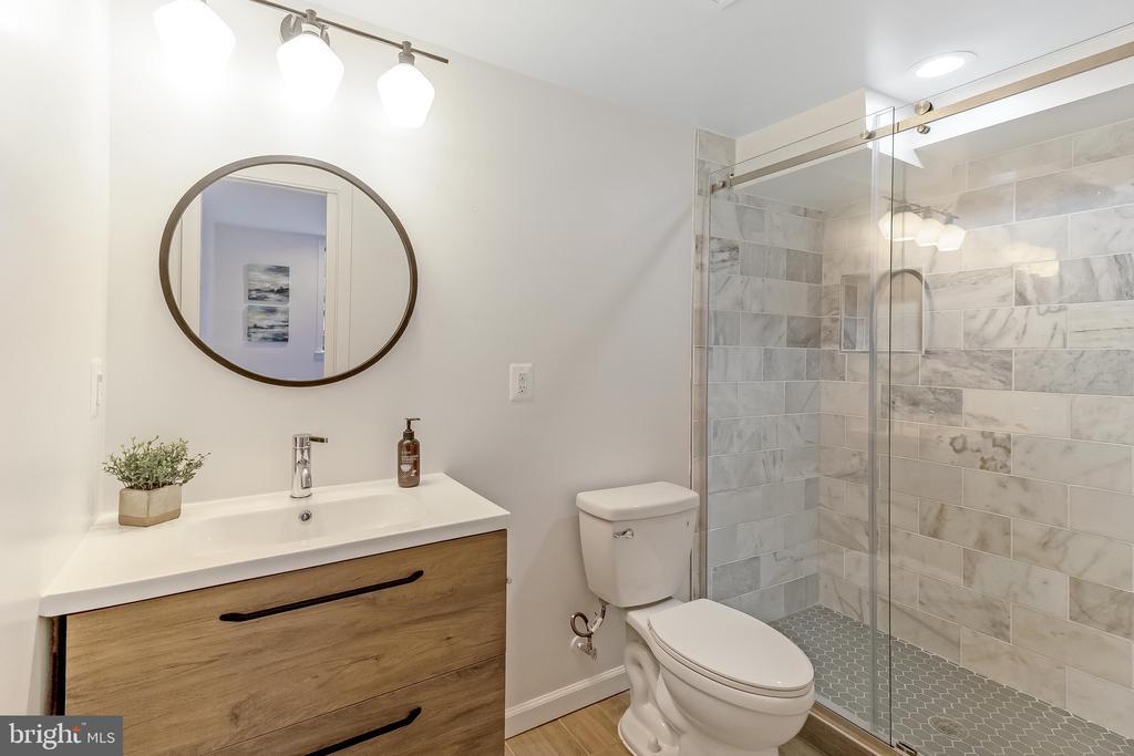 basement full bathroom - 2118 N CAPITOL ST NW, WASHINGTON