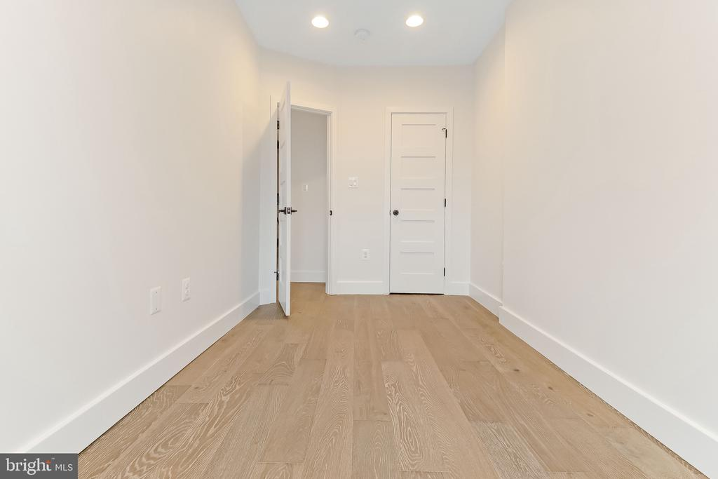 upstairs bedroom 3 - 2118 N CAPITOL ST NW, WASHINGTON