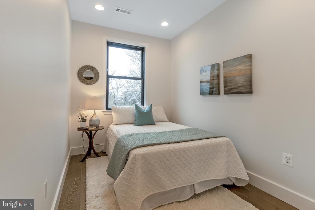 upstairs bedroom 2 - 2118 N CAPITOL ST NW, WASHINGTON