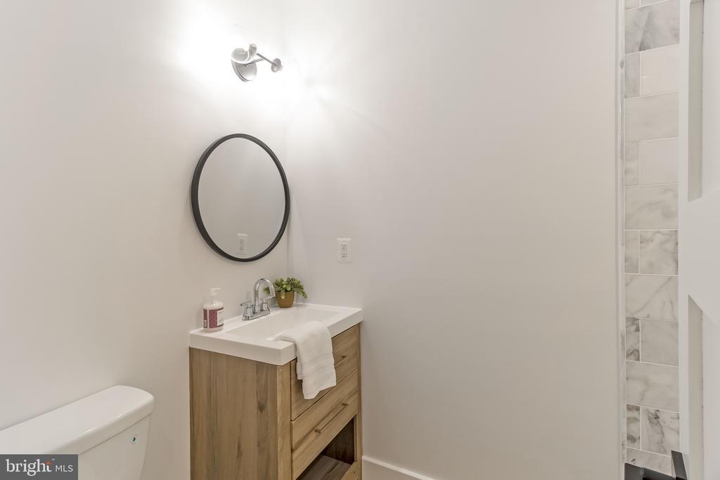 upstairs full bath - 2118 N CAPITOL ST NW, WASHINGTON
