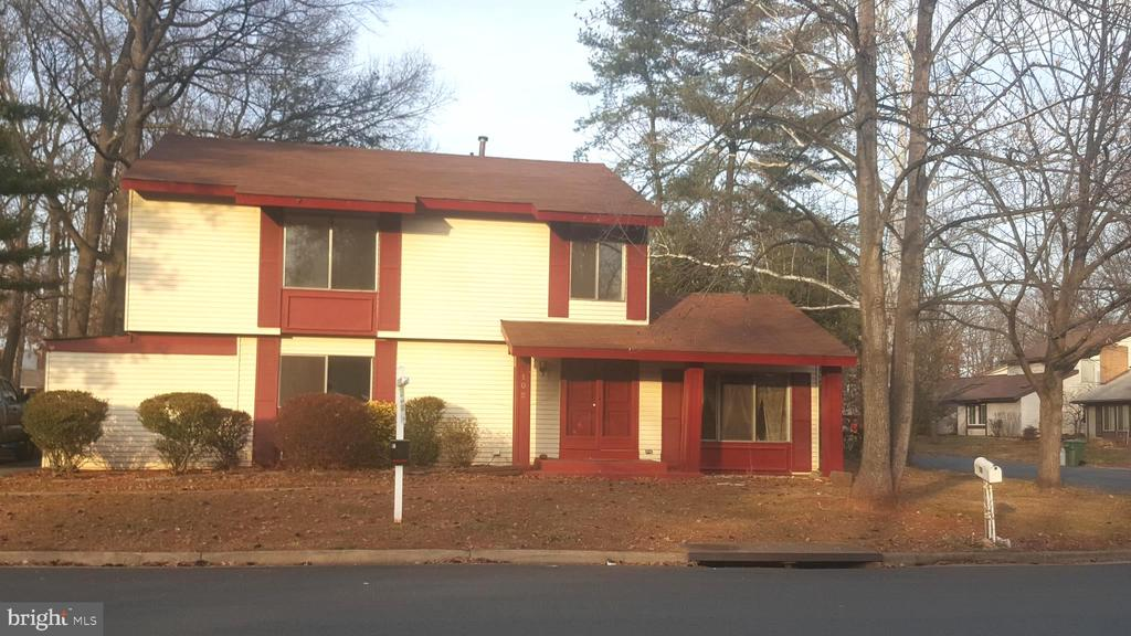 - 102 WILLOW PL, STERLING
