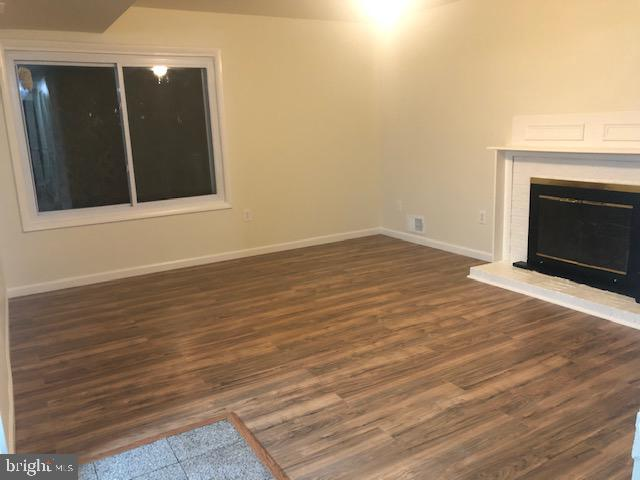 Family room - 102 WILLOW PL, STERLING