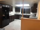 Kitchen - 102 WILLOW PL, STERLING