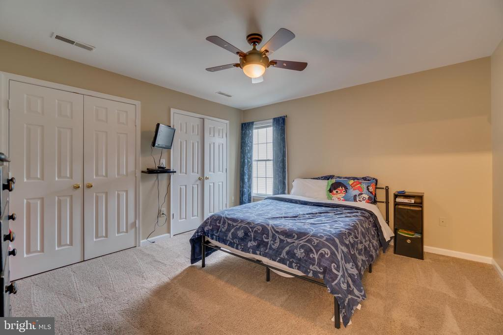 Upper Level Bedroom: Ceiling Fan & Double Closets - 3 FRANK CT, STAFFORD
