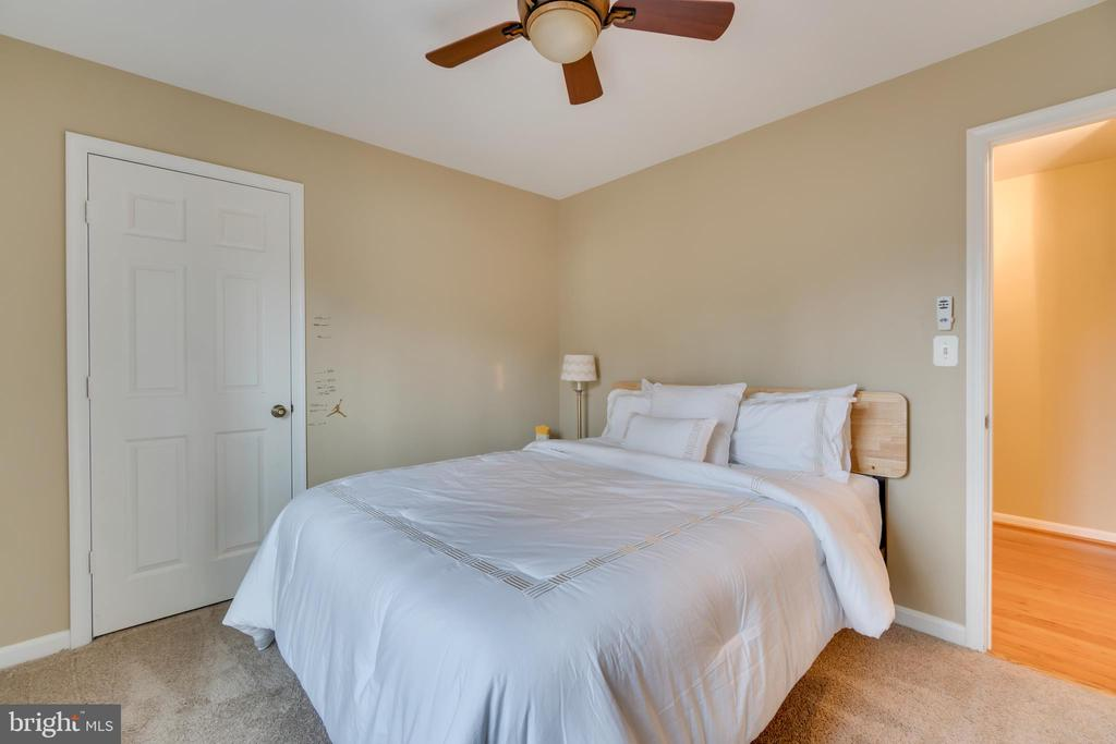 Upper Level Bedroom: Carpeted with Ceiling Fan - 3 FRANK CT, STAFFORD