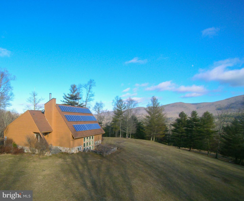 Single Family Homes のために 売買 アット Warm Springs, バージニア 24484 アメリカ