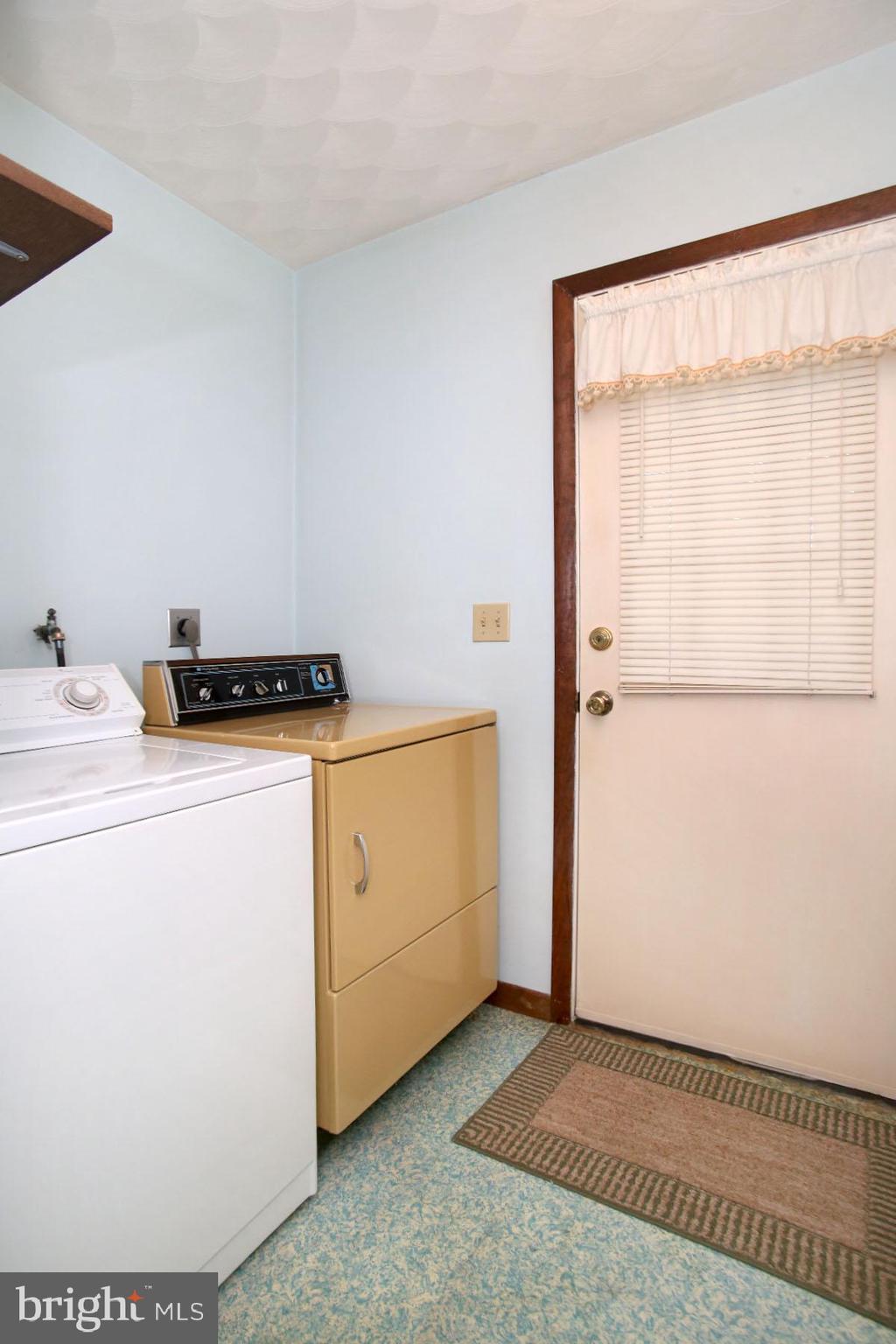 Lower level laundry includes appliances