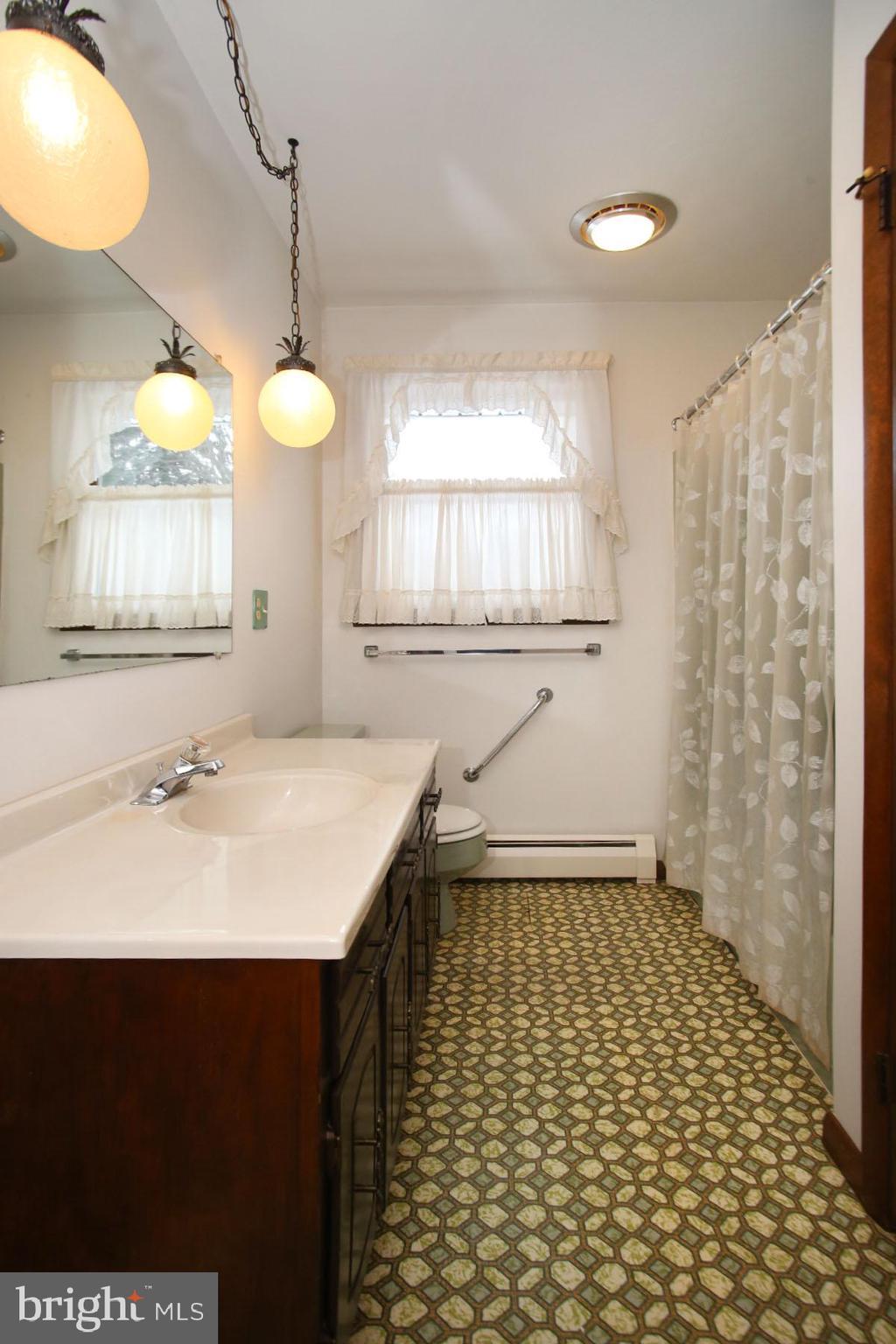Main Bath with tub/shower