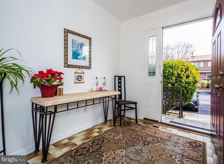 Single Family Homes 为 销售 在 巴尔的摩, 马里兰州 21209 美国