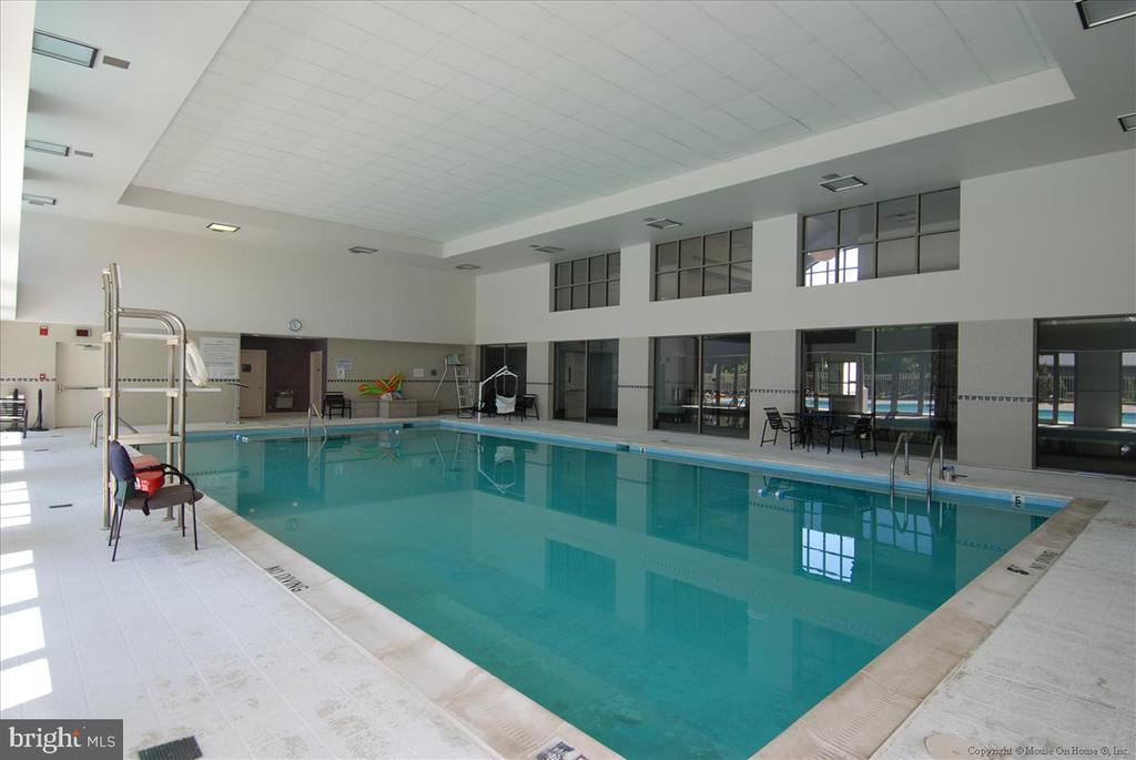 Indoor Pool - 5809 NICHOLSON LN #206, NORTH BETHESDA